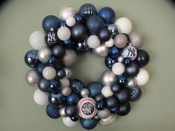 For all you Yankees out there!!  Check out my friend's new wreath for baseball season!