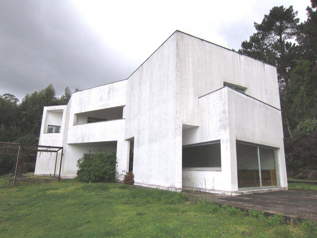 Moradia t4 desenhada pelo arquitecto alvaro siza vieira for Arquitecto t4