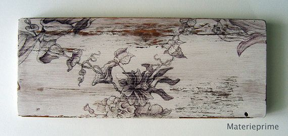 Floral drawing on decorate shabby chic wood panel di Materieprime