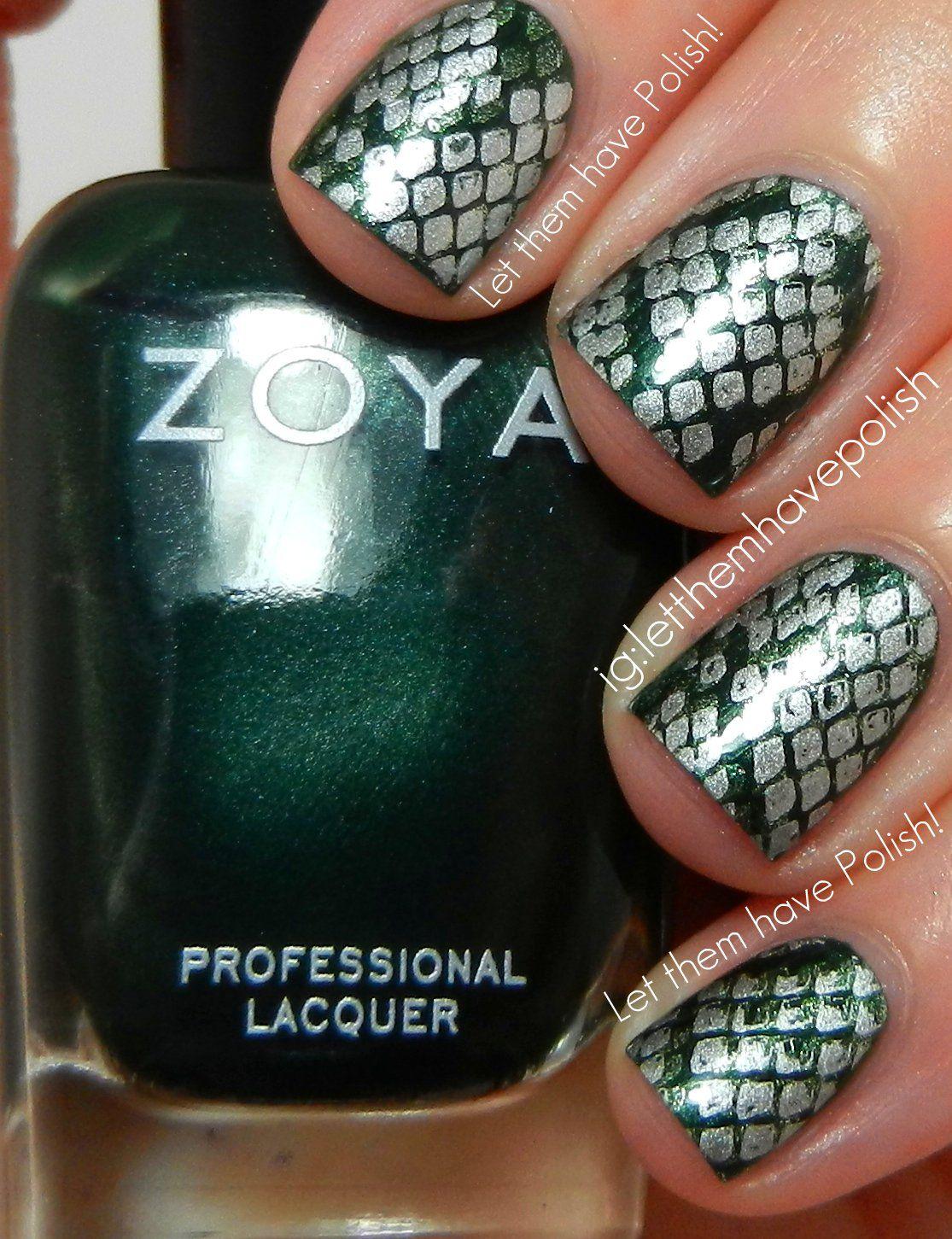 slytherin nails: zoya ray, zoya meg, sally hansen silver sweep