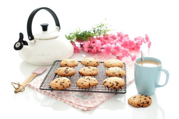 Receta de Galletas americanas, unas galletas muy sencillas con un resultado espectacular. Lo mejor, es que las puedes preparar con los peques de la casa.