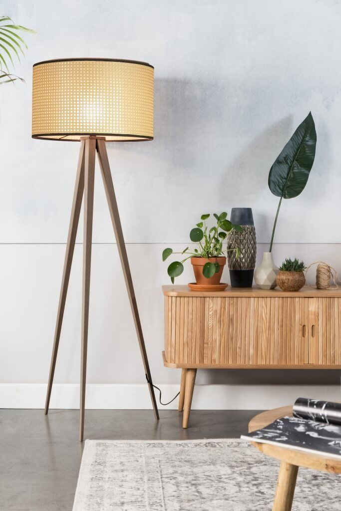 Wiener Geflecht Das Revival Eines Klassikers Designigel Stehlampen Wohnzimmer Lampen Wohnzimmer Designer Stehleuchten