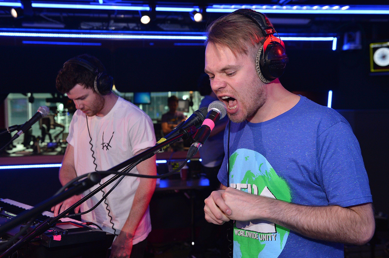 Ben Howard Keep Your Head Up Enter Shikari Live Lounge Version Pla Singing In The Rain Bbc Radio Ben Howard
