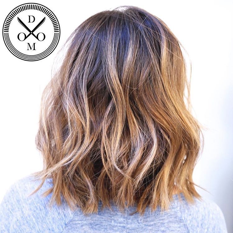 fina frisyrer för mellanlångt hår