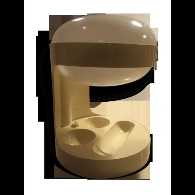 Lampe KD29 Joe Colombo - edition Kartell AMPE  vendu par Ann Ellem - PARIS (75 - Paris). Hauteur : 33, Largeur : 25, État : Bon état, Materiau : Plastique, Style : Design, Couleur : Blanc