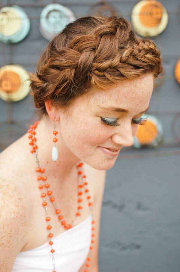 a braided wrap  Photography by http://brittanylauren.net