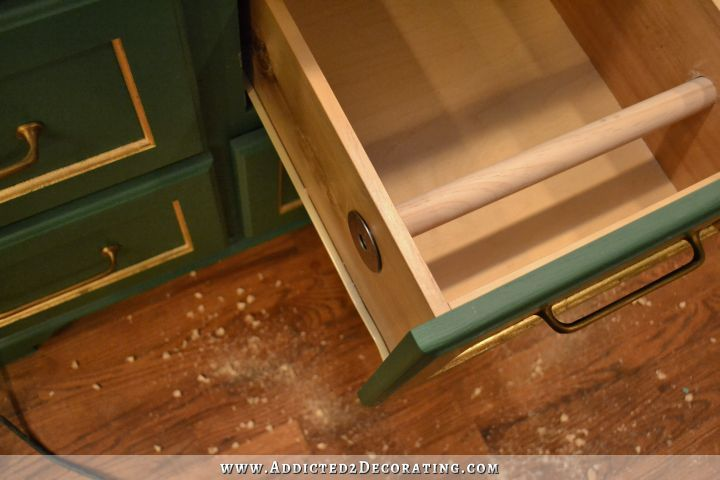 What She Hid In One Of Her Kitchen Drawers Is A Must-Have!! - Page 2 of 2 #papertowelholders