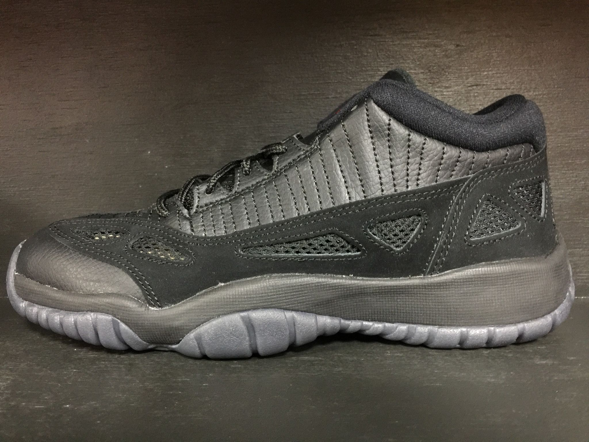 pretty nice 4eaef b1493 Air Jordan 11 Retro Ie Low  Referee  Popular Sneakers, Huarache Run, Sneaker