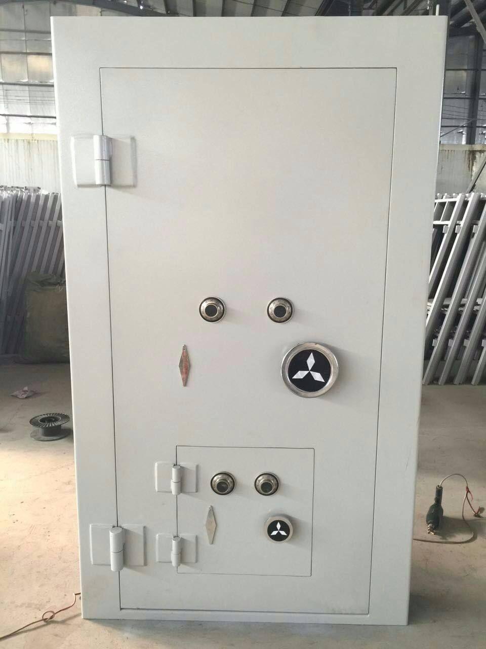 Bank Vaults Doors For Sale Vault Doors Banks Vault Safe Deposit Box