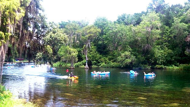 Tubing Down Rainbow River We Did This Last Year And It Was A