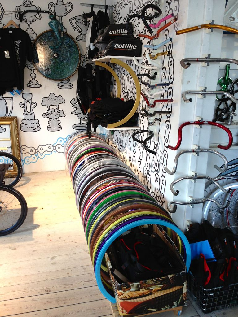 Track Bike Shop, Copenhagen, Denmark Not into the walls, but I like the simple rim display