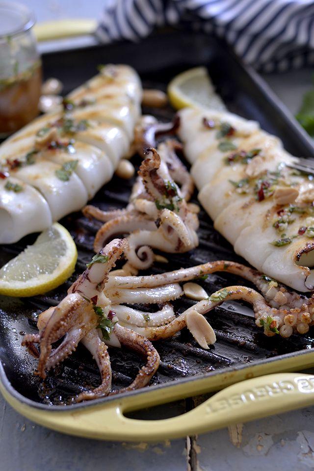 Calamar Plancha Salsa Thai Parrillada De Mariscos Y