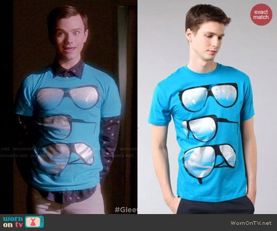 Kurt's blue glasses tee on Glee.  Outfit Details: http://wornontv.net/47092/ #Glee