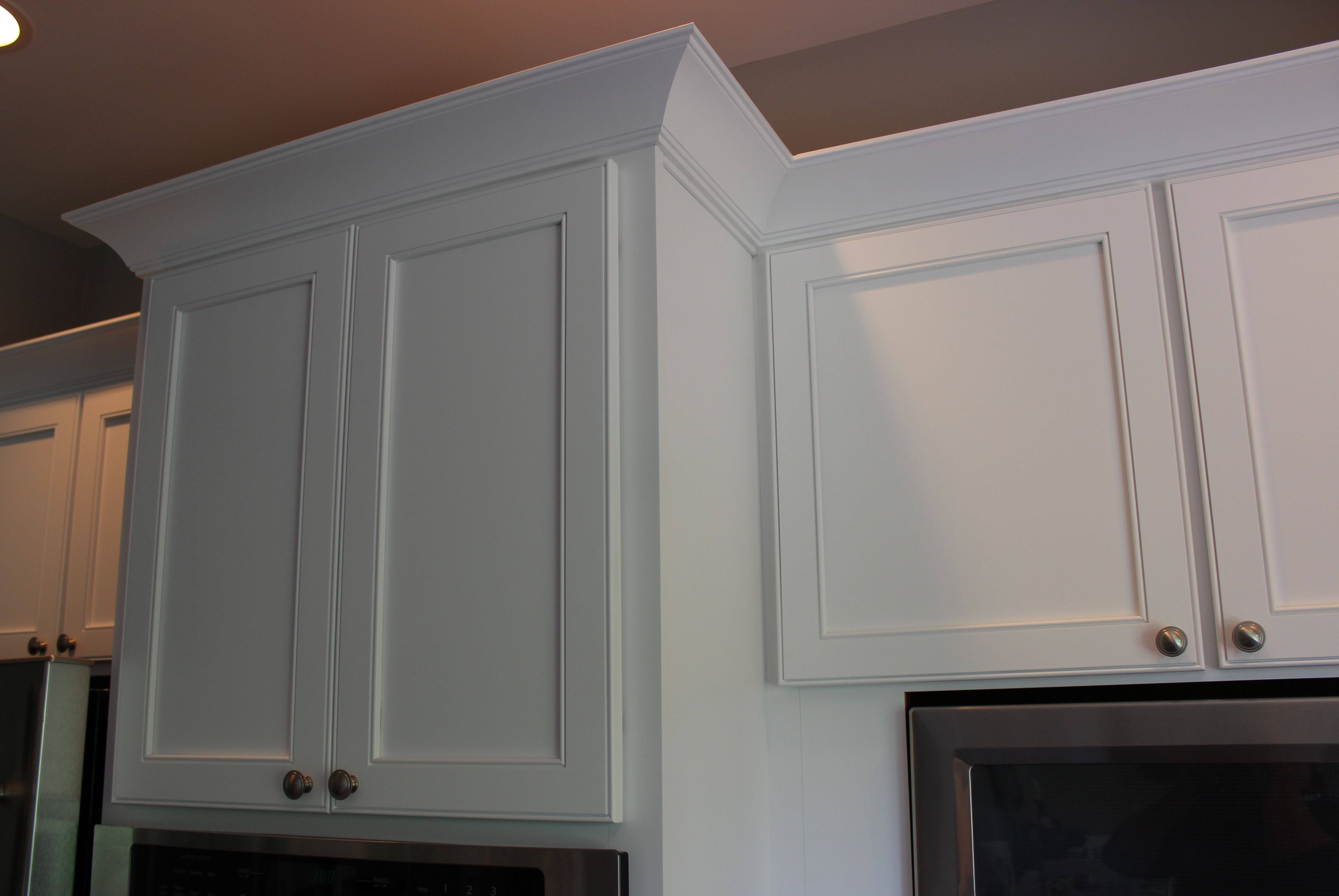 An Excellent Example Of A Shaker Cabinet Crown Molding This Crown Perfectl In 2020 Kitchen Cabinet Crown Molding Crown Moulding Kitchen Cabinets Crown Molding Kitchen