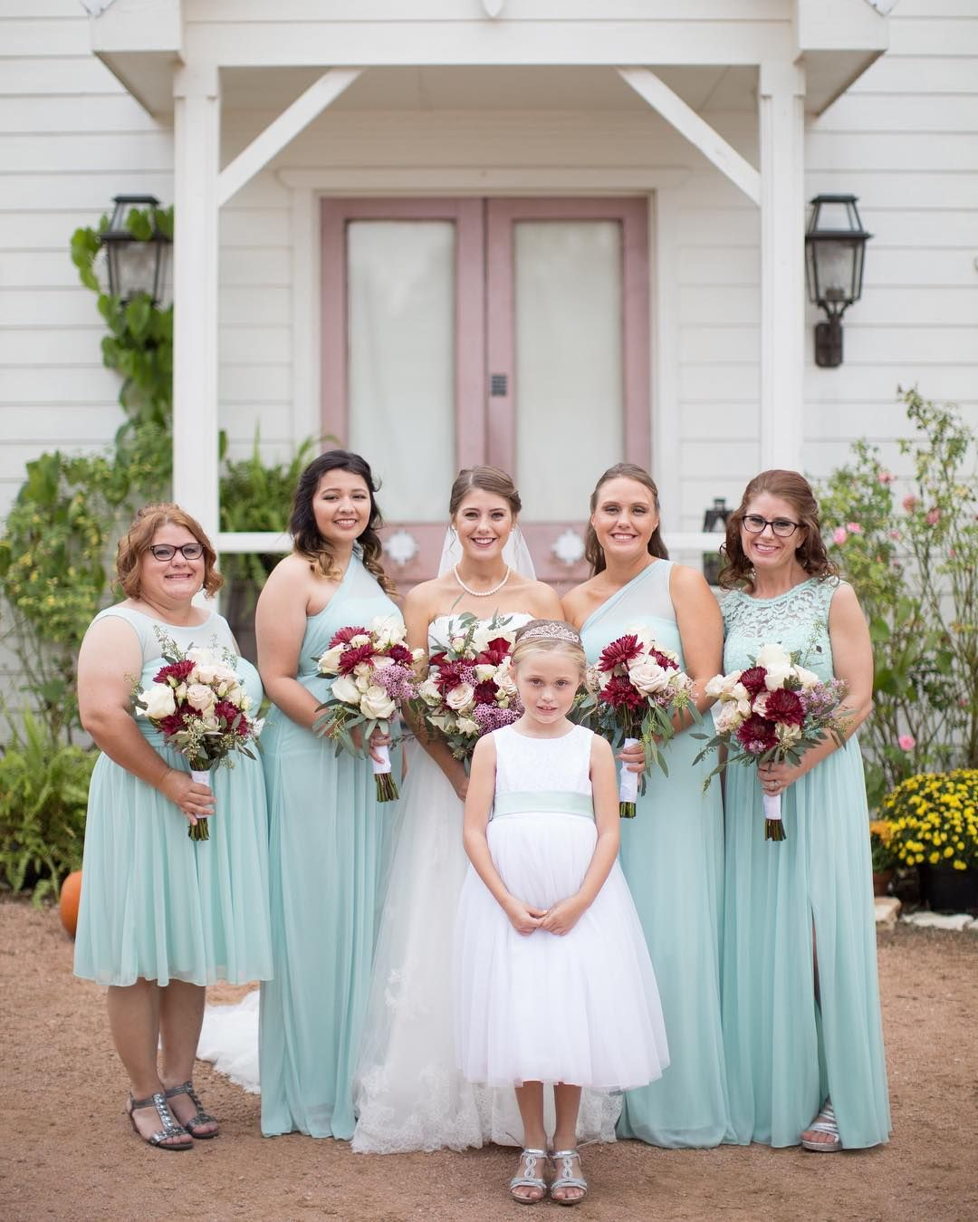 Mint blue bridesmaids for a bright bridal party! France Photographers