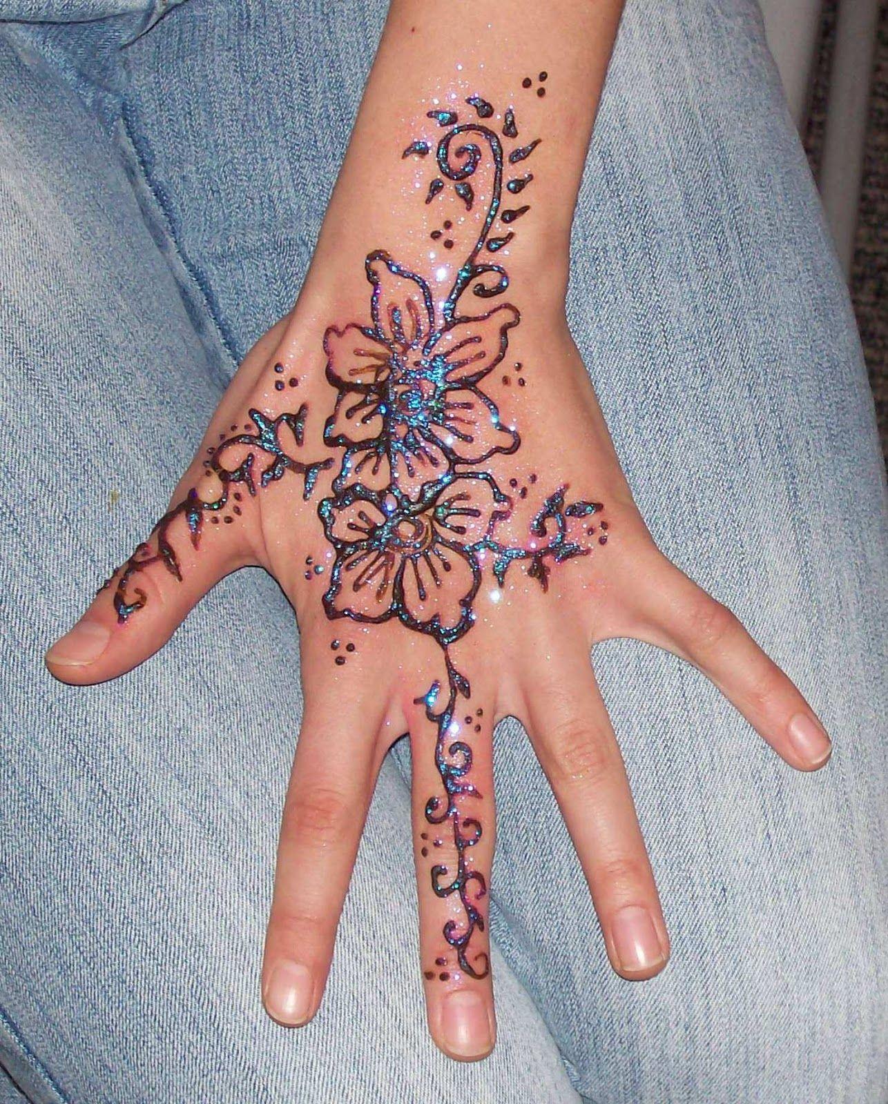 30 Henna Tattoos Design Ideas For Girls Smile Henna Tattoos