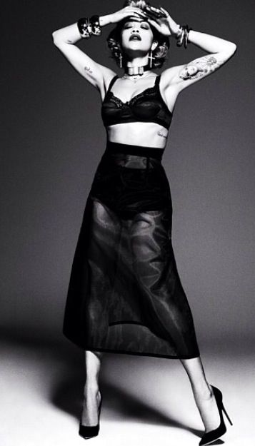 This is eye catching.Nothing sexier then a see thru crop top skirt outfit.