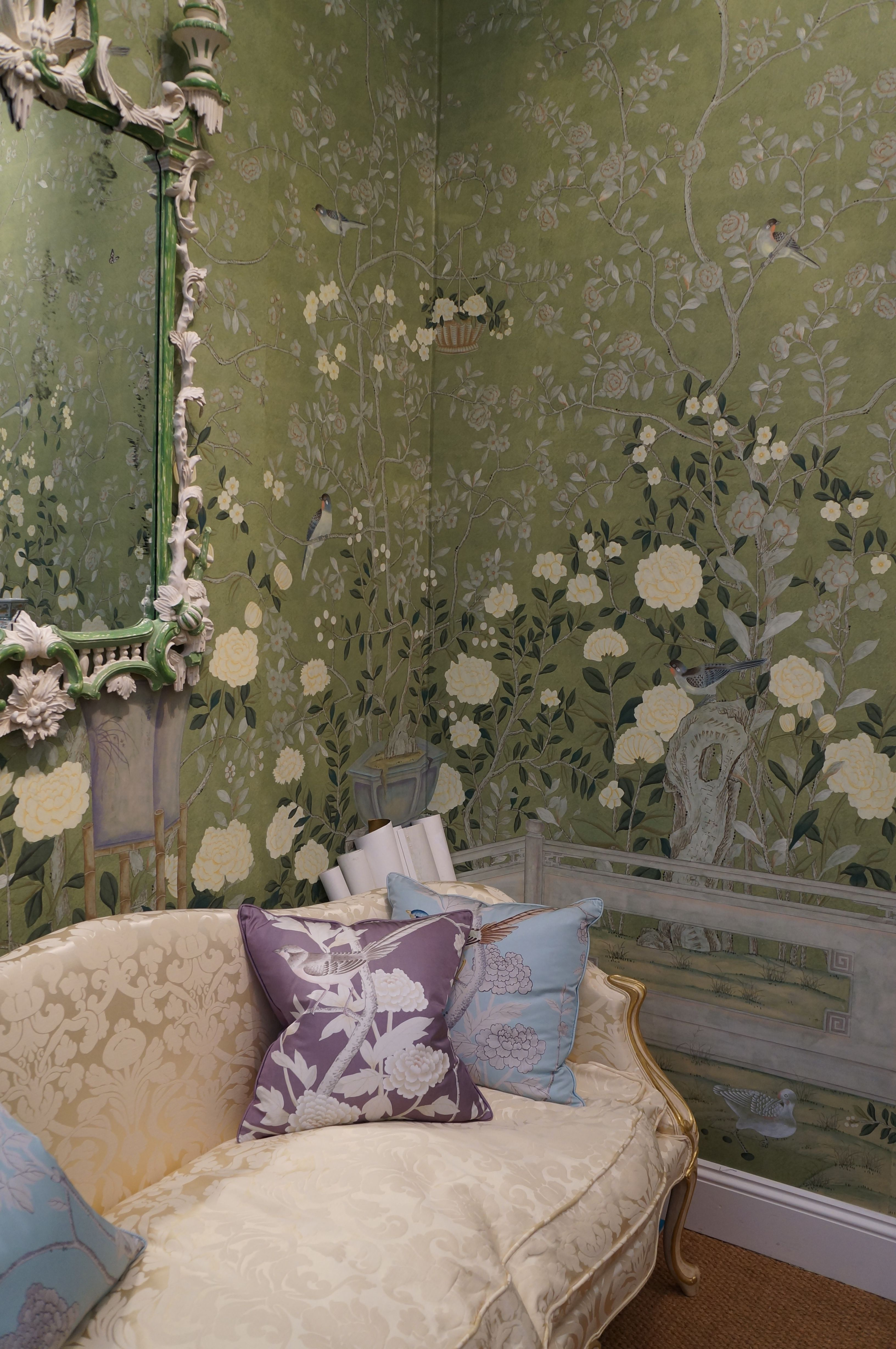 De Gournay, bespoke wallpaper company. Handpainted and