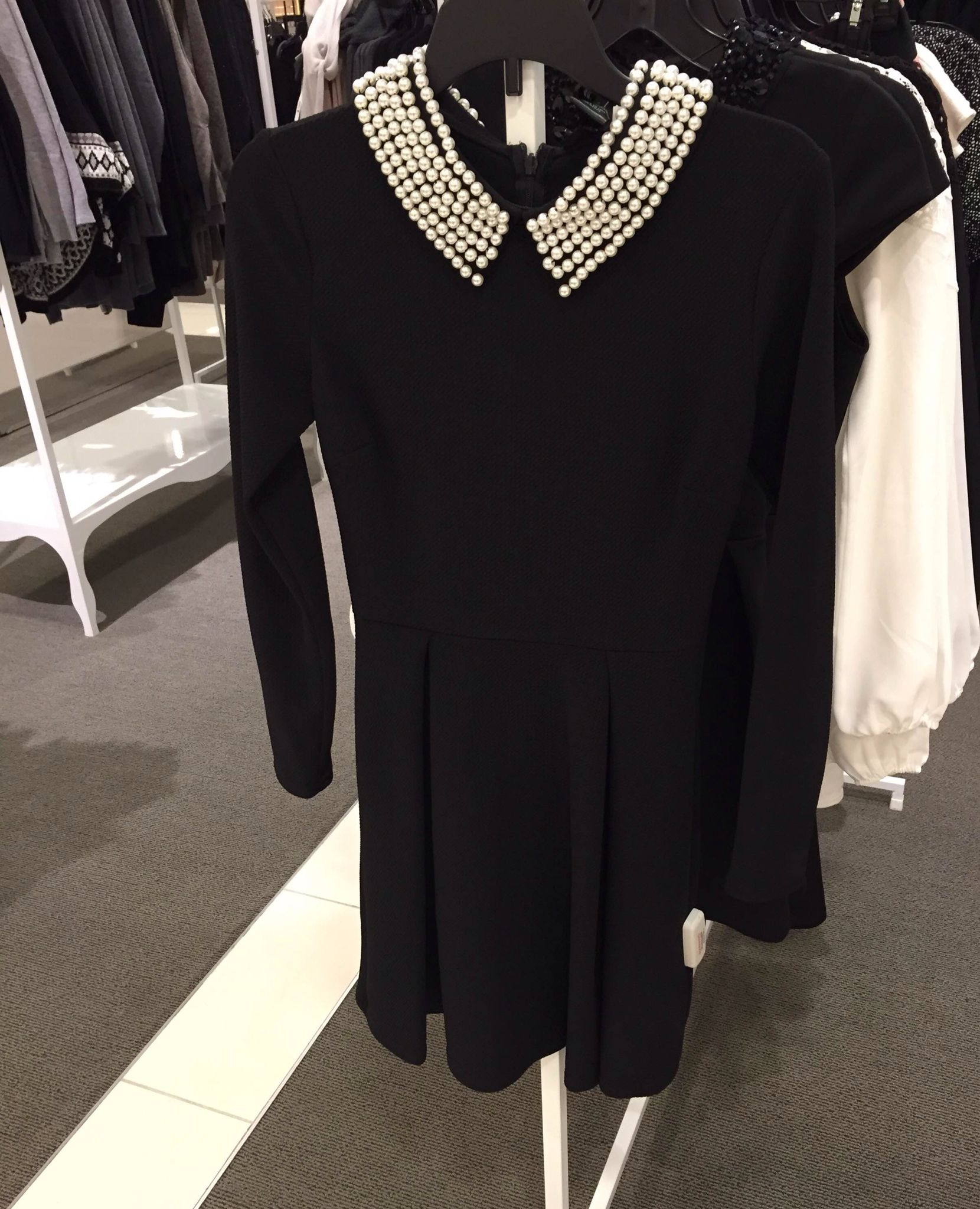 Love This Little Black Dress With Pearl Collar From Aqua At Bloomingdales Beautiful Fashion Black Dress With Pearls Fashion [ 2048 x 1660 Pixel ]