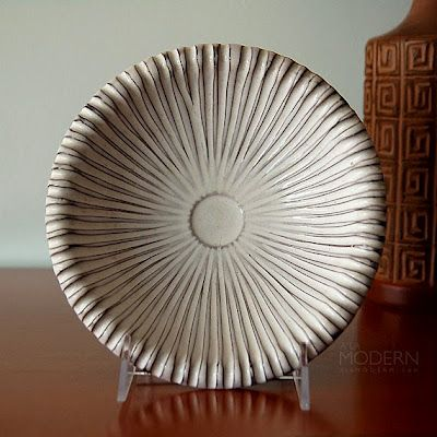 A Plate A Day: Upsala Ekeby  http://aplateaday.blogspot.com/2012/07/954.html