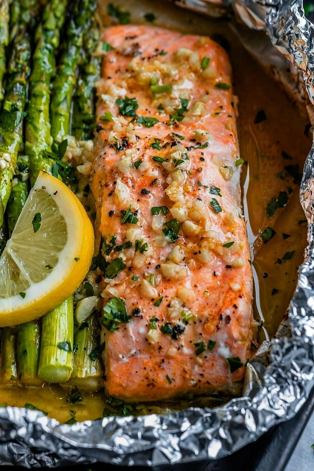 and Asparagus Foil Packs with Garlic Lemon Butter Sauce - My Blog - -Salmon and Asparagus Foil Pack
