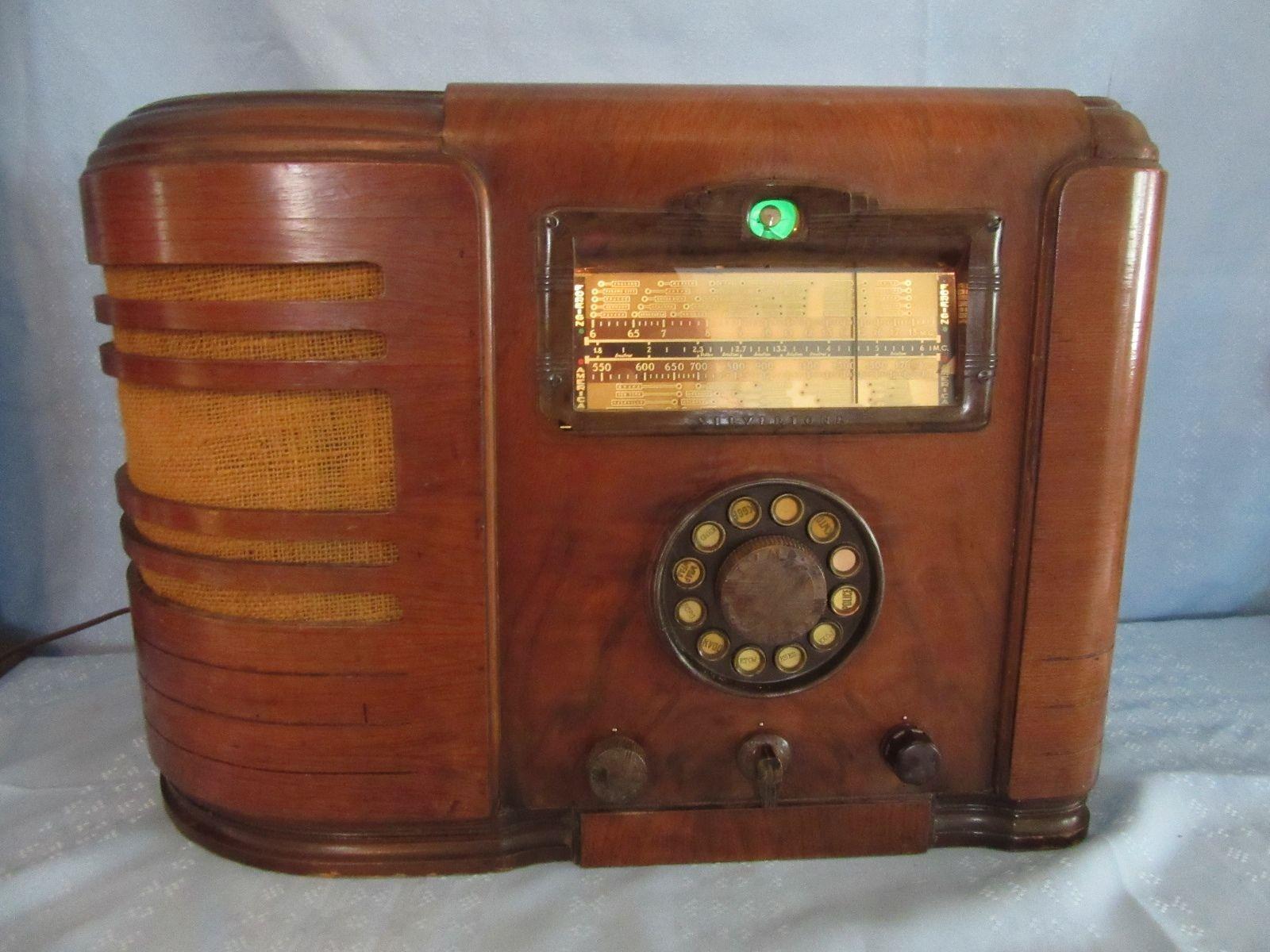 Ultra RARE Silvertone Model 4769 Broadcast Receiver Short