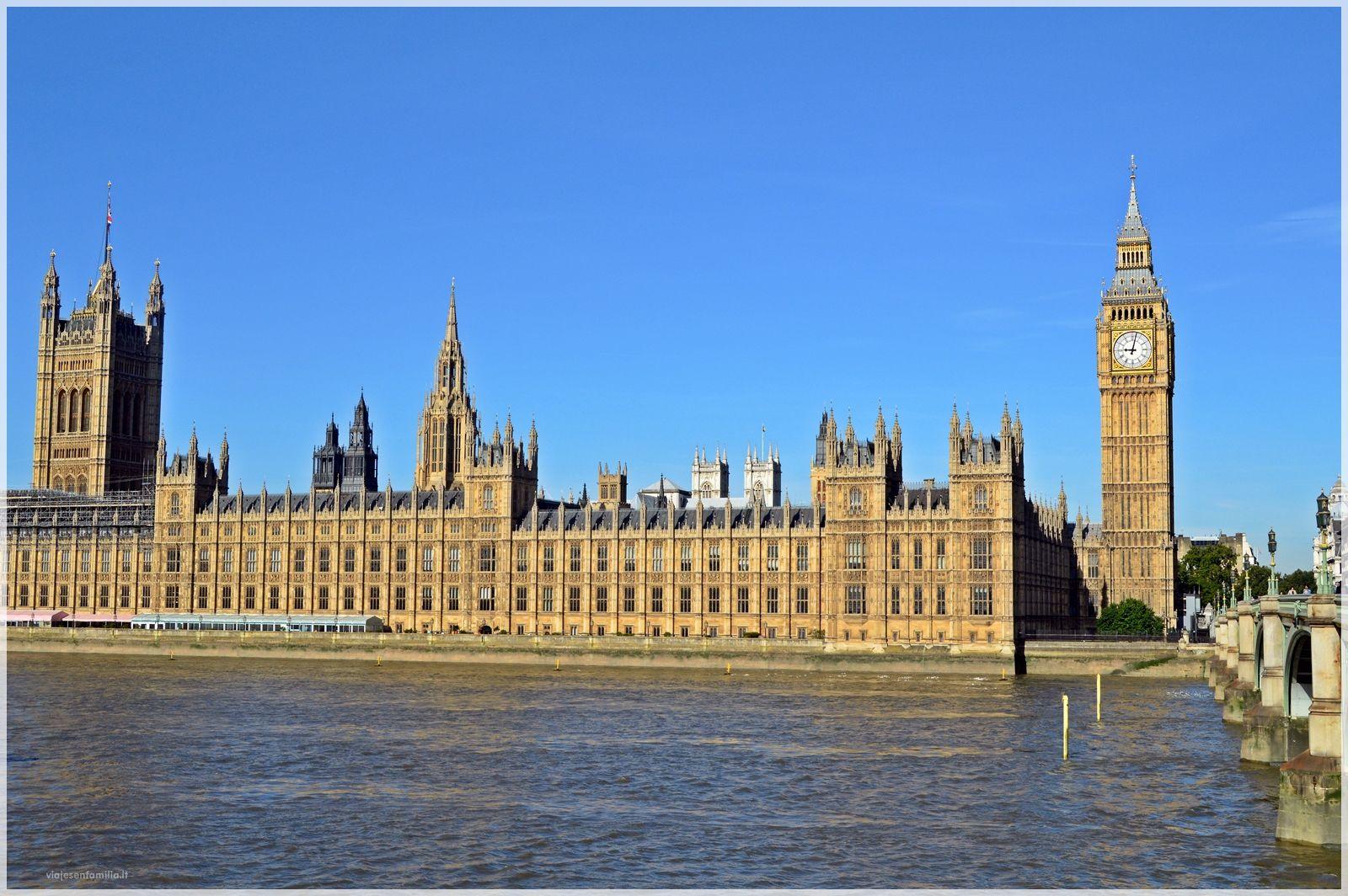 El Parlamento y el Big Ben.  Londres   http://www.viajesenfamilia.it/