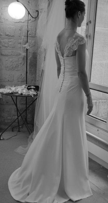 robe de mariée syrène en crêpe de soie rehaussée de bretelles en dentelle de Calais