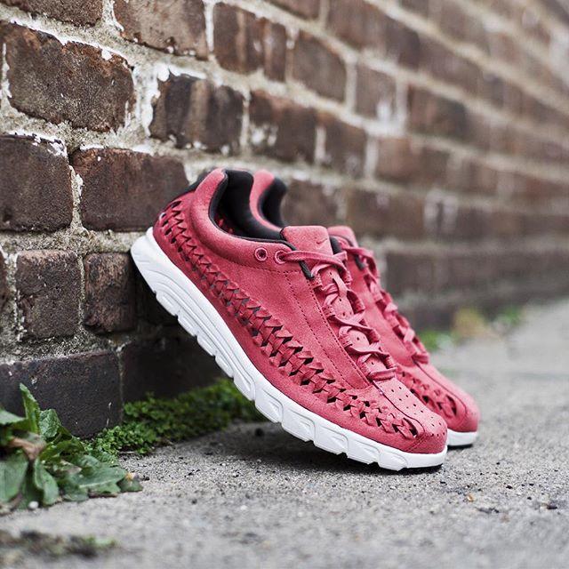 Nike Mayfly Woven  Terra Red  b4f420913