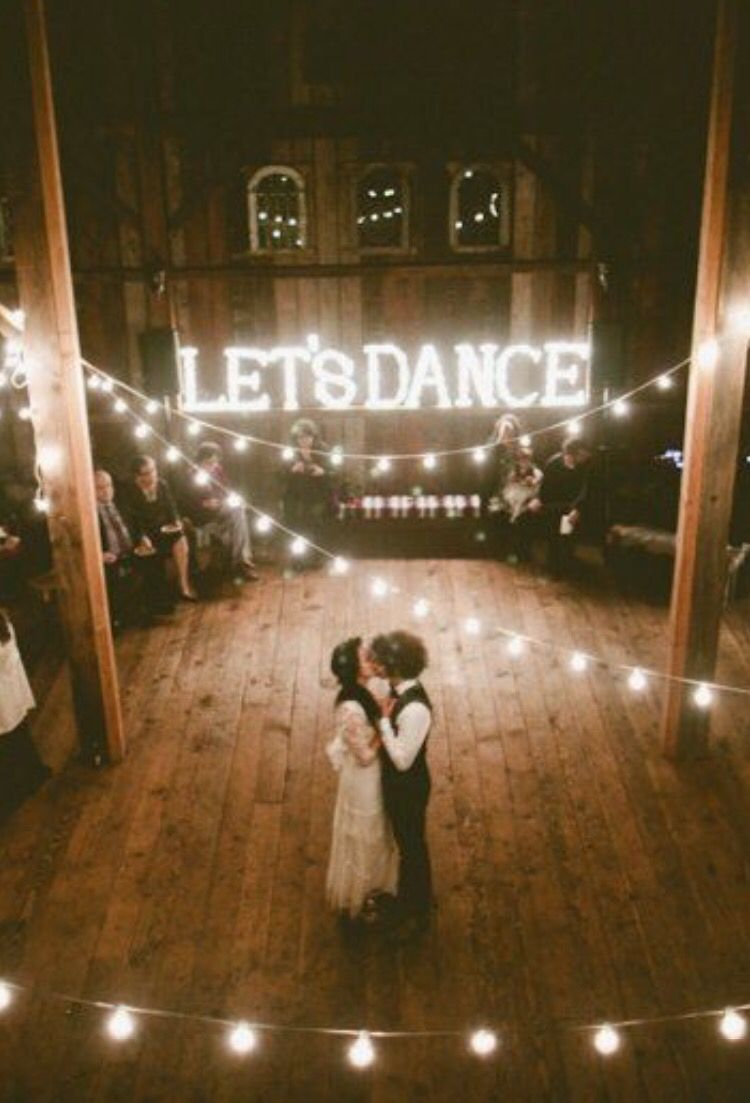 beautiful rustic wedding lights. These 21 Creative And Beautiful Ideas Will Make Your Wedding Even Better! Rustic Lights