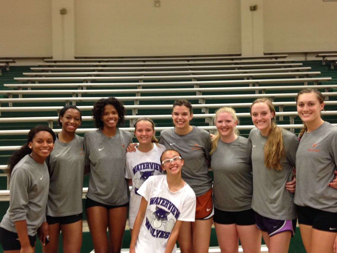 Met Ut Players At Volleyball Camp Volleyball Camp Volleyball Volleyball Team