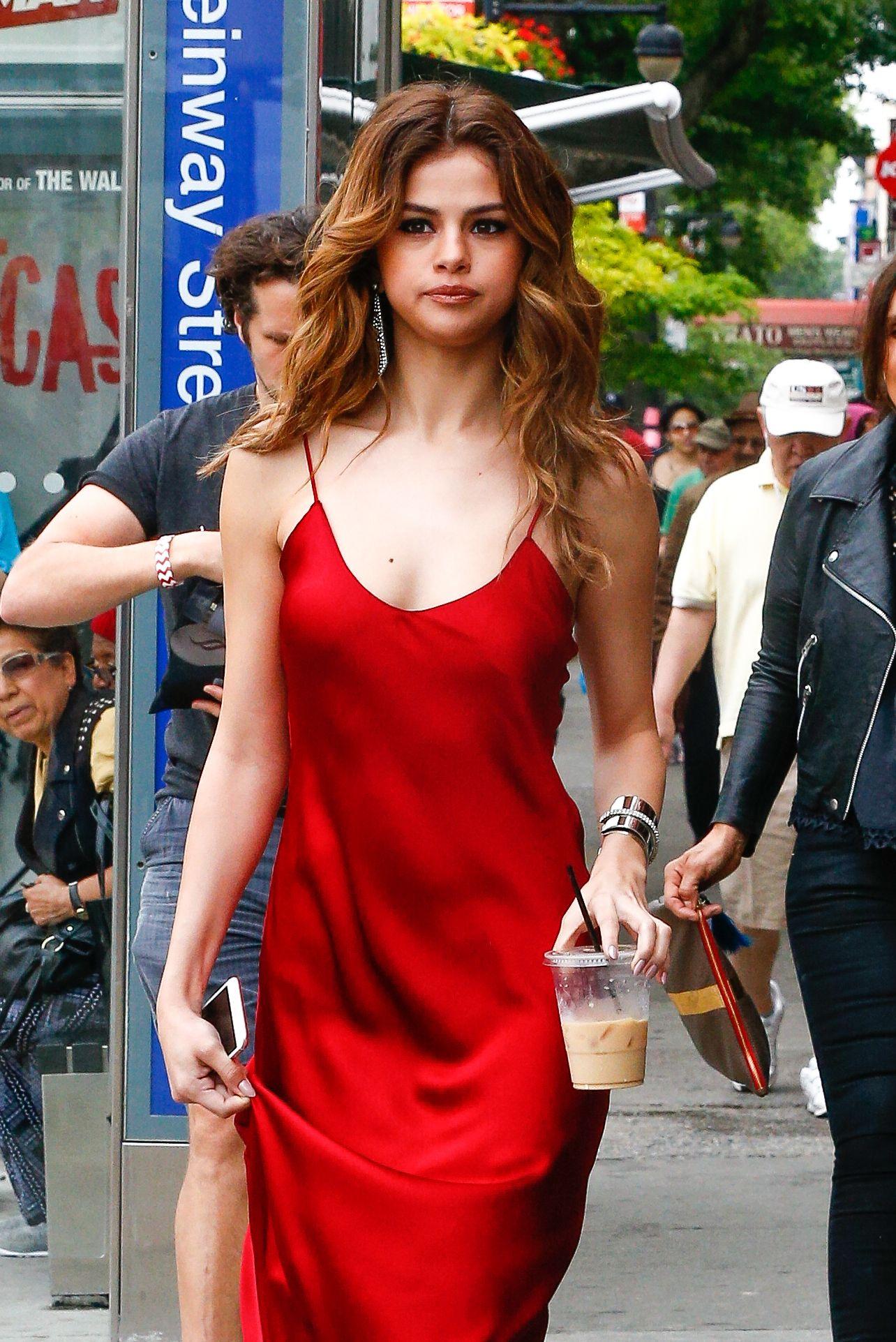 Selena Gomez – photo shoot in NYC June 2016 | Selena Gomez ...