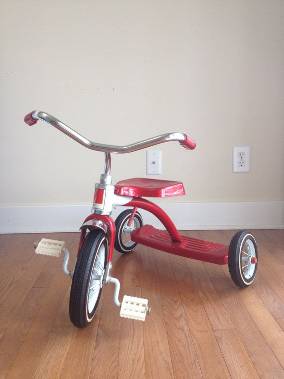vintage amf junior childs red tricycle vintage red three wheeler old red tricycle amf. Black Bedroom Furniture Sets. Home Design Ideas