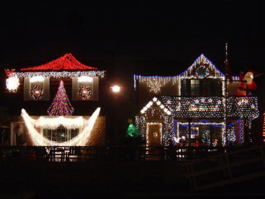 Be A Good Neighbor With Proper Christmas Light Etiquette Christmas Lights To Music Holiday Lights Christmas Lights