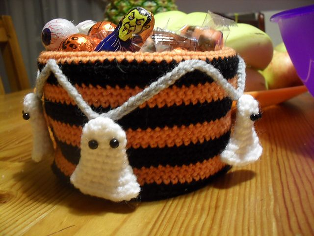 Boo!tiful candy bowl by Lion Brand Yarn ~ free crochet pattern via ...