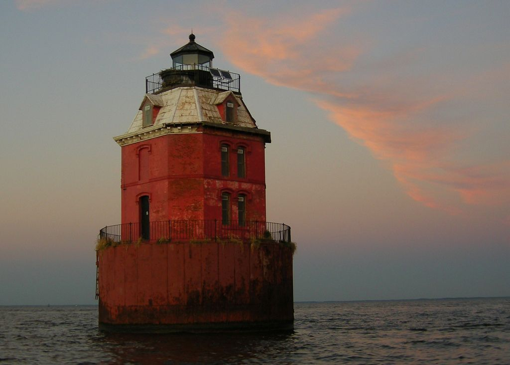 https://flic.kr/p/5te9Sj   Sandy Point Shoal Lighthouse @ Sunset