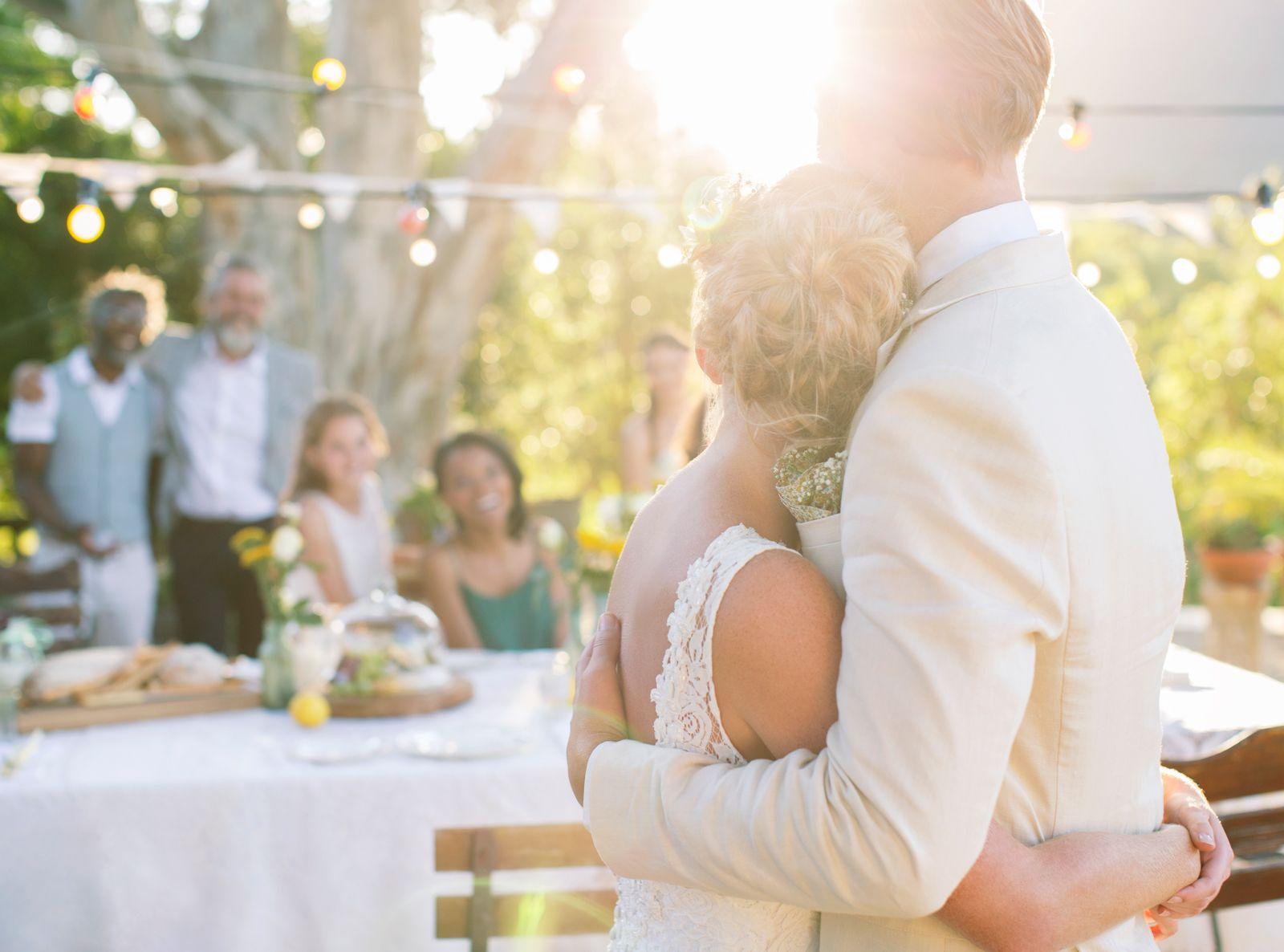 Lindsay Landman shares her tips on how to plan a wedding like a pro.