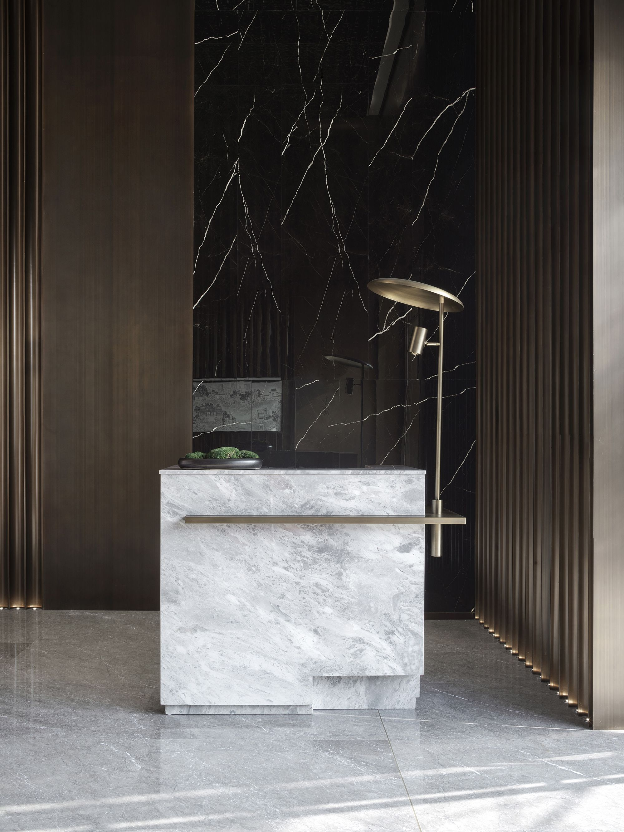 Dothink Picture Gallery In 2020 Reception Desk Design Lobby Design Lobby Reception