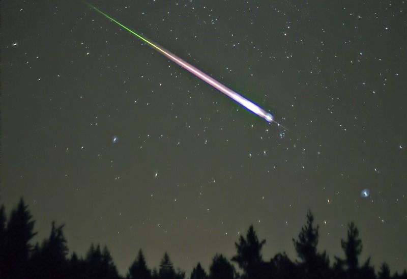 The Leonid Meteor Shower Is Tonight and Here's How to