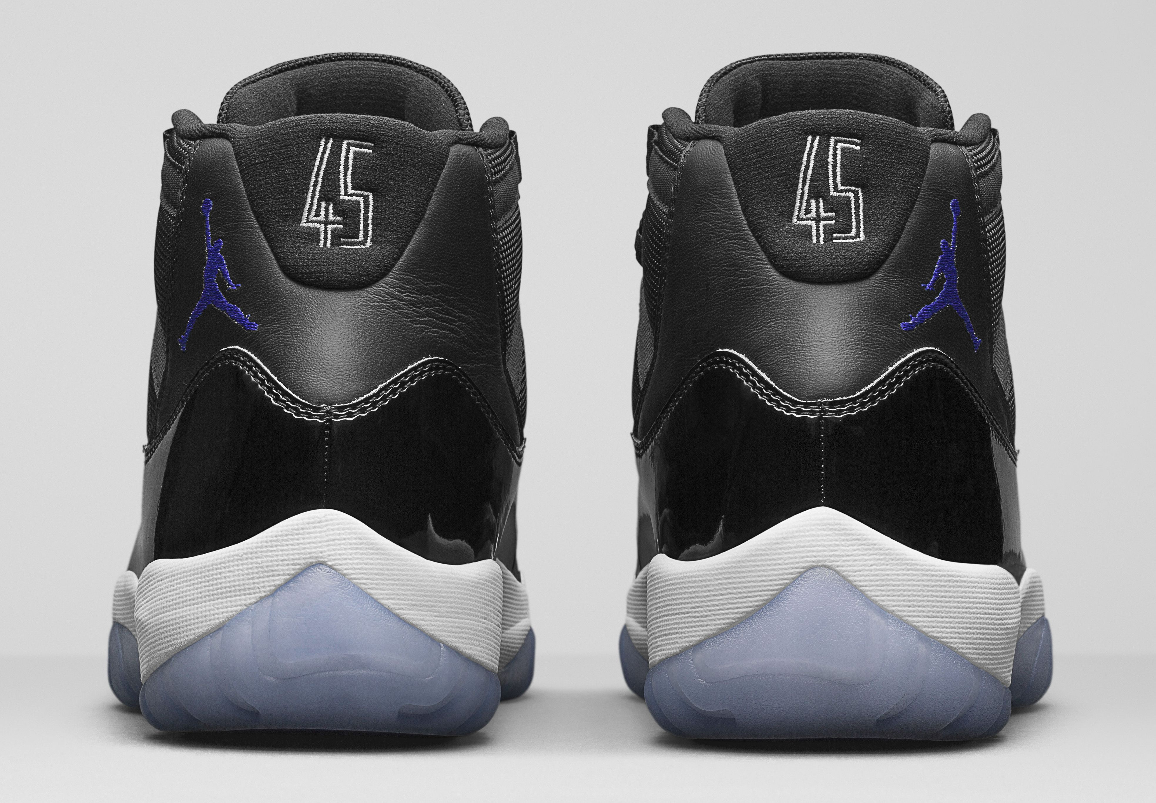 Jordan Brand has finally released some mouth-watering images of the Air Jordan  XI Space Jam. Release information and pricing has been provided as well. 8f2b46bd4