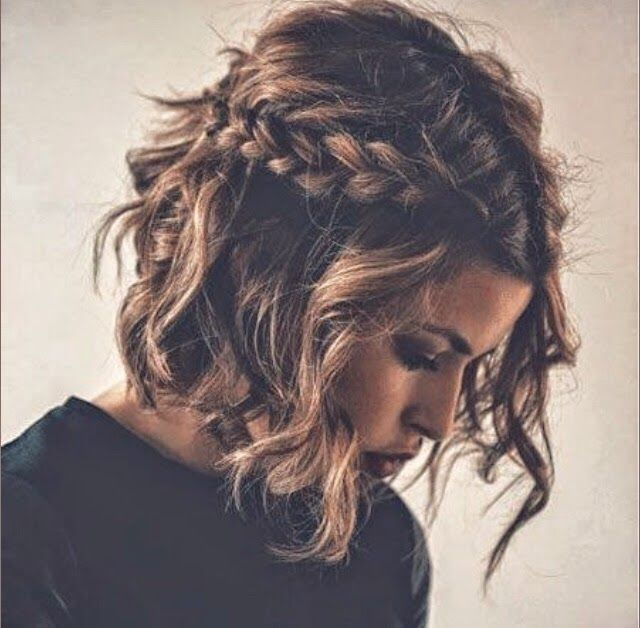 Nobella Grace Hot Off The Runway Spring 2015 Hair Trends Hair Styles Braids For Short Hair Down Hairstyles