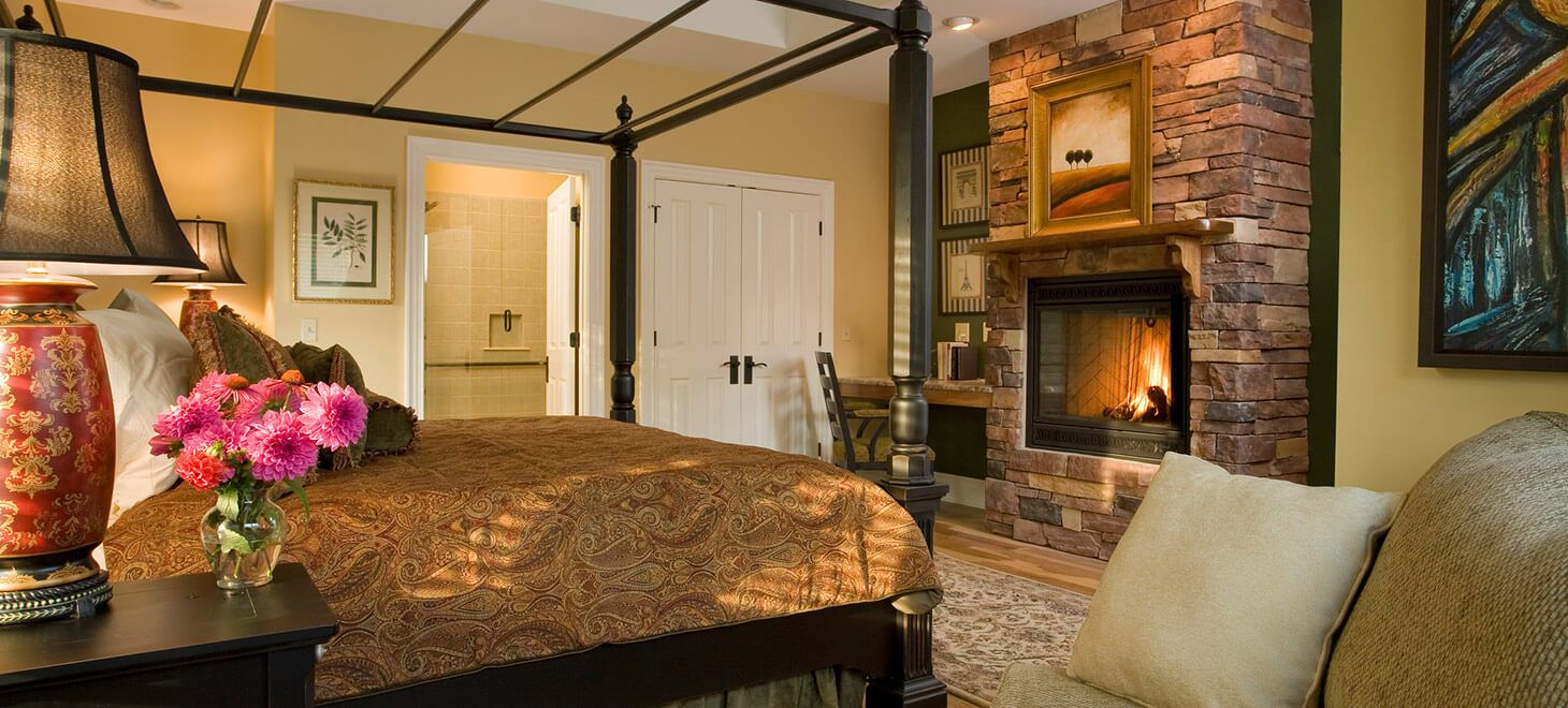 Asheville B&B Room with fireplace Bed and breakfast