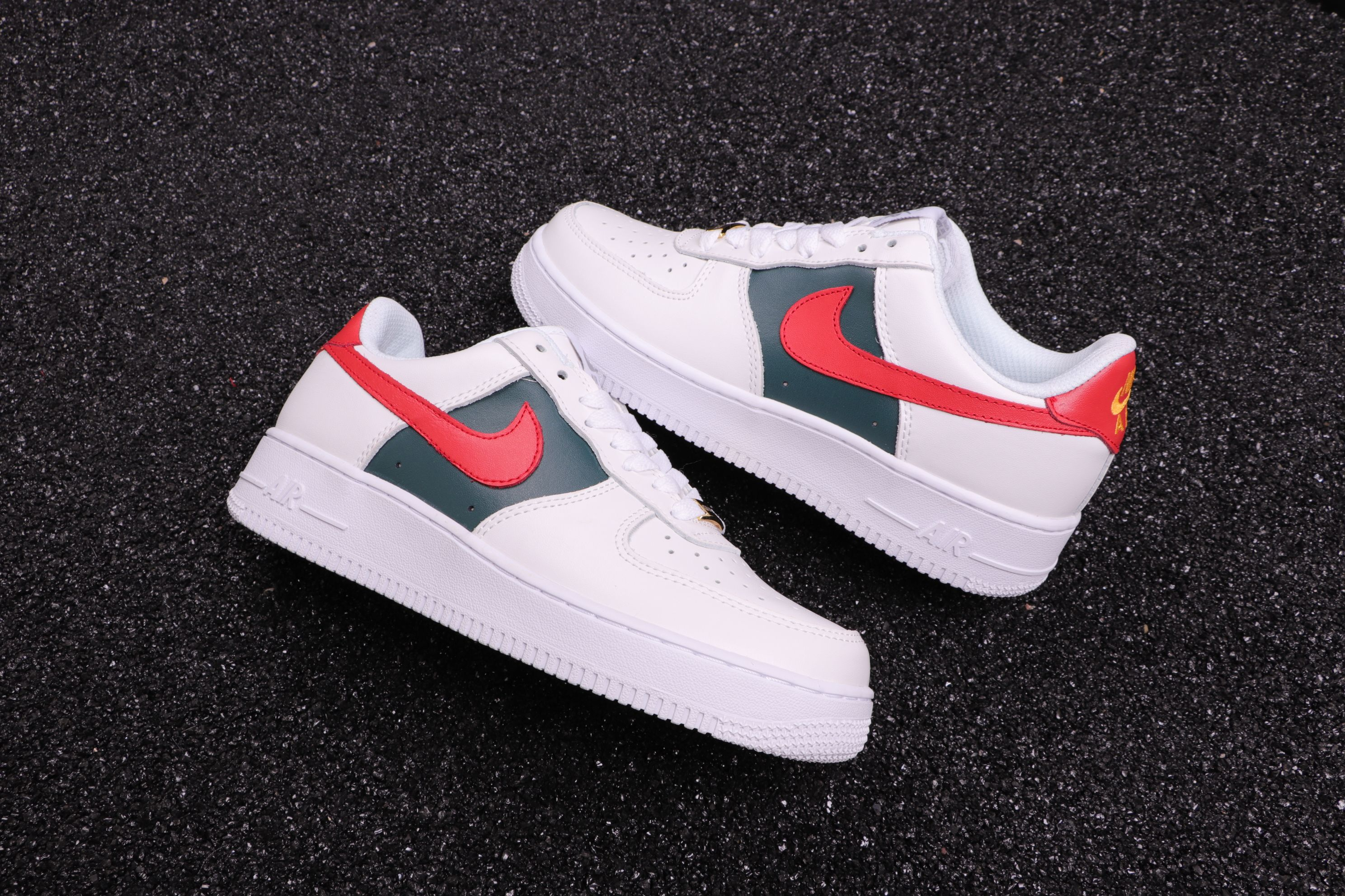 e5b01c898593fc Custom Gucci x Nike Air Force 1 Low Red and Green Stripes ...