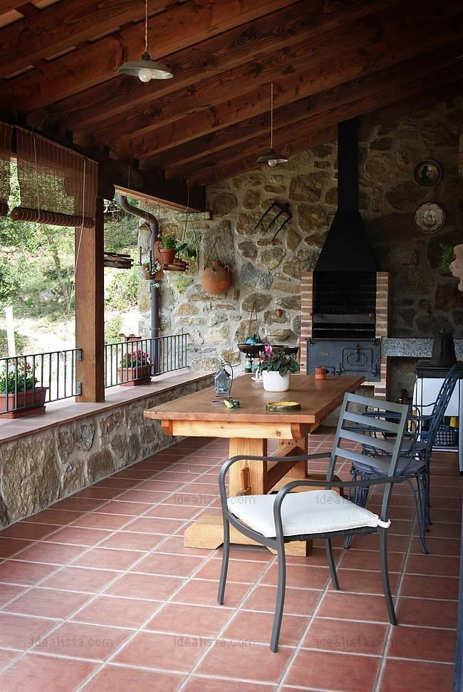 Fachadas de casas sencillas con muros de piedras buscar - Casas con terrazas ...