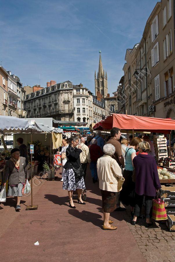 Outdoor Market Limoges France Avec Images Limousin Clermont