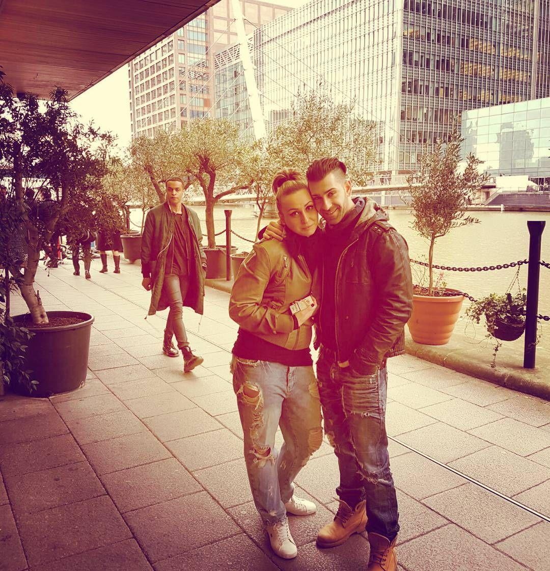 Hiena & Perro  #CanaryWharf #Bulgarian #thames #London @georgivalentinov by sasha_stamenova