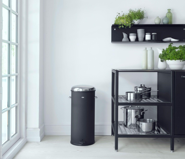 Vipp 17 Pedal Bin - 30L Trash Can | Kitchen Ideas | Pinterest | Küche