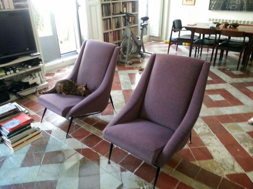 Butacas italianas de los años 50 tapizadas en tela morada ...
