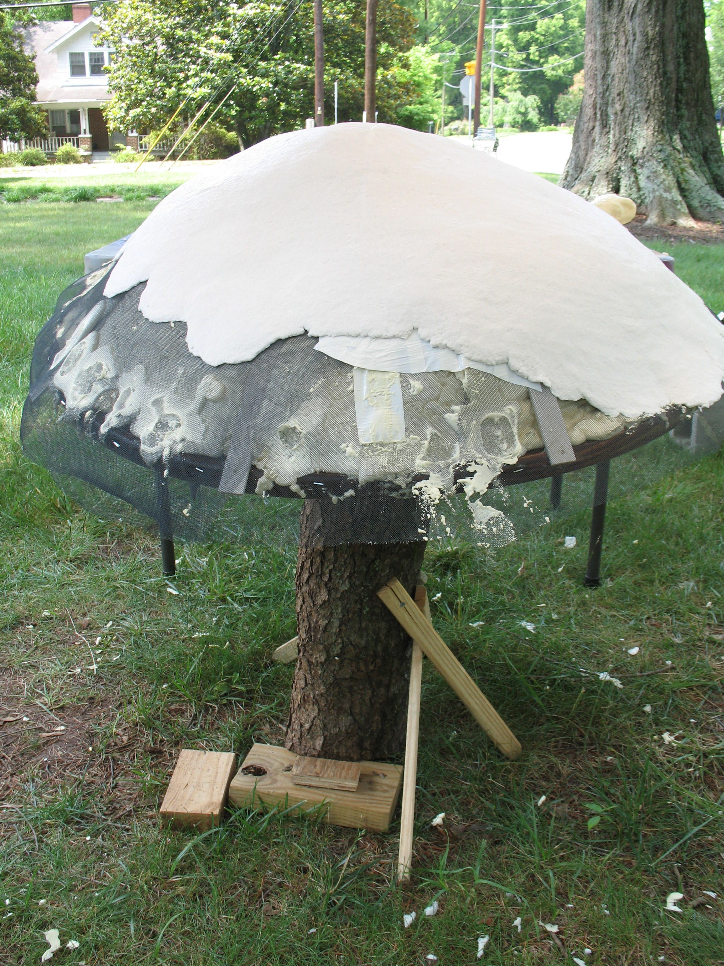 Layer One Of Paper Mache On Mushroom Top To Make Giant Mushrooms For  Wonderland Party.