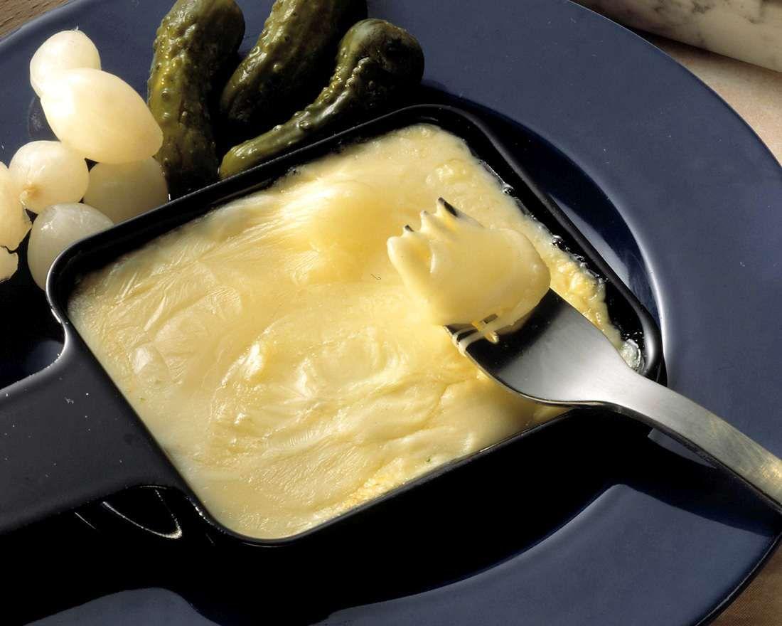 raclette mit mixed pickles rezept raclette ideen. Black Bedroom Furniture Sets. Home Design Ideas